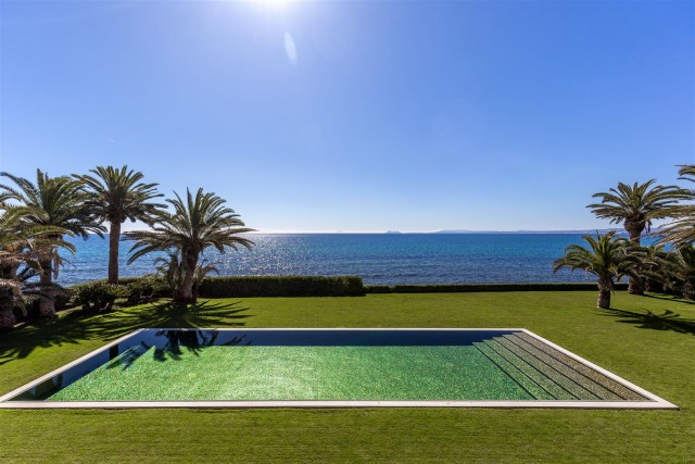 Modern Beachfront Palace for Sale close to Puerto Banus Spain (21)