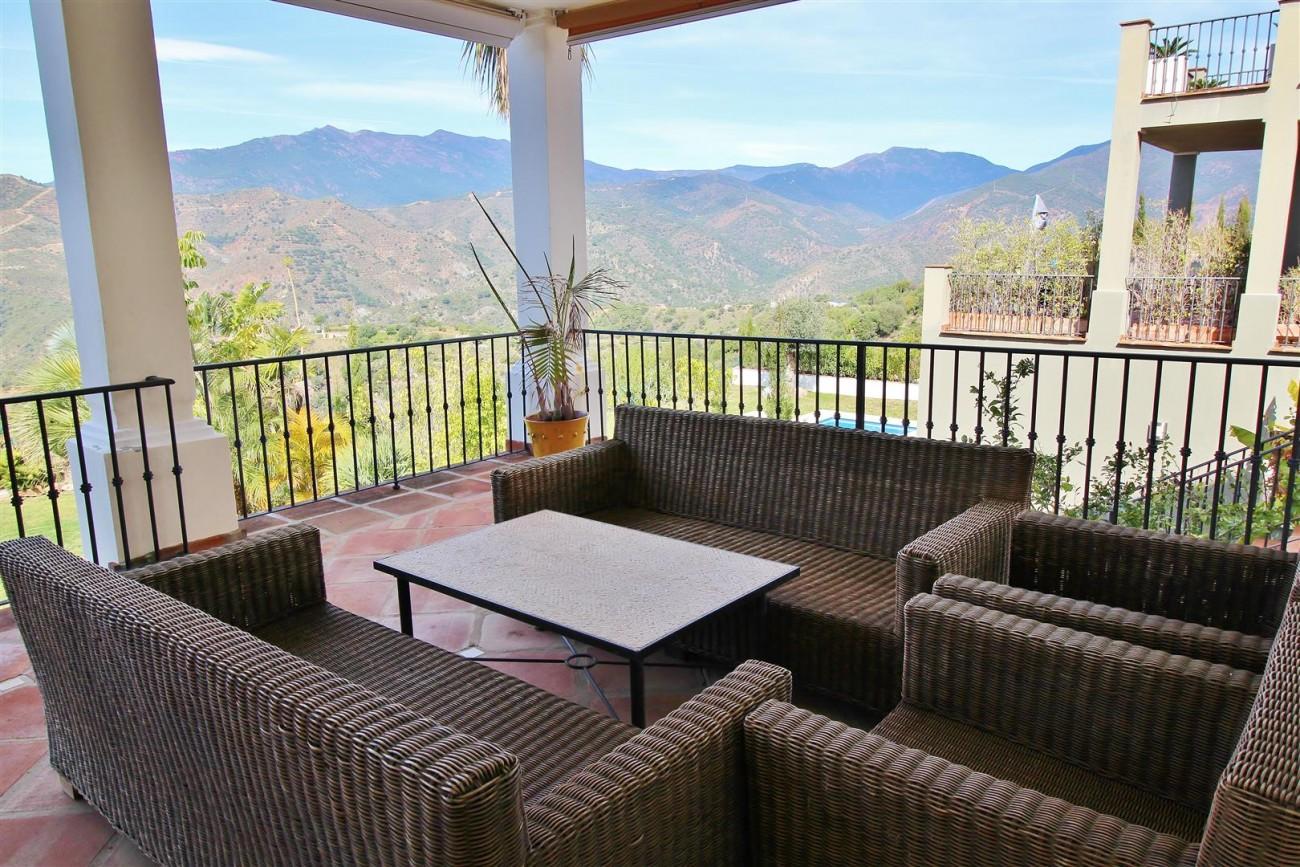 Luxury villa for sale close to Puerto Banus Spain (11) (Large)