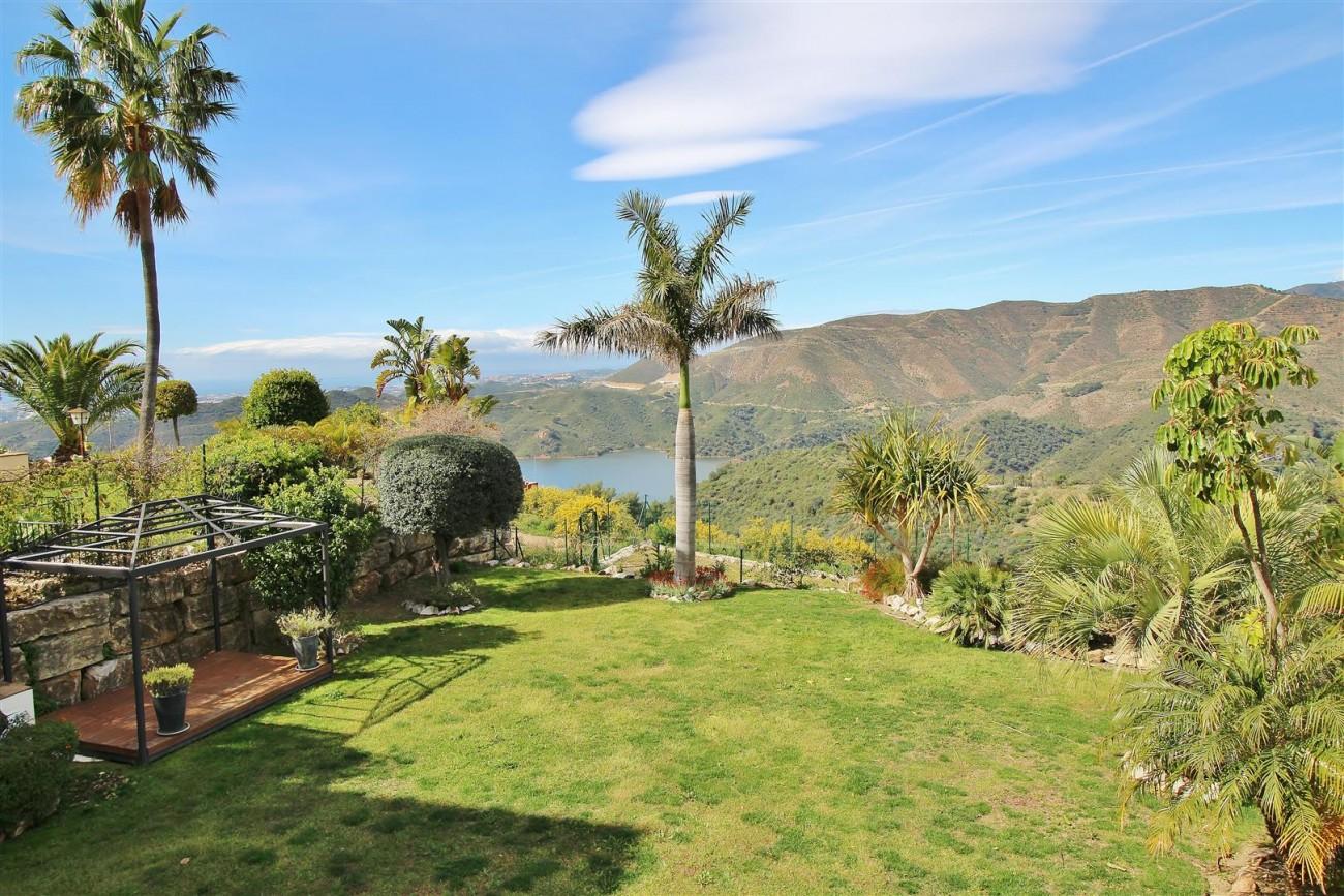 Luxury villa for sale close to Puerto Banus Spain (15) (Large)