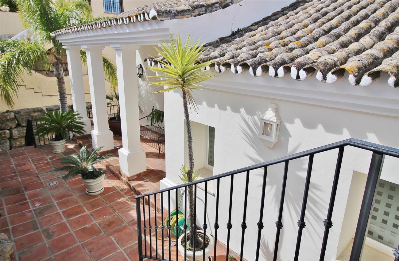 Luxury villa for sale close to Puerto Banus Spain (21) (Large)