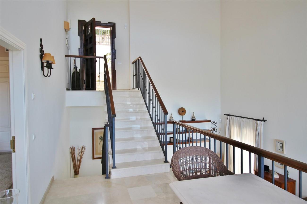 Luxury villa for sale close to Puerto Banus Spain (26) (Large)