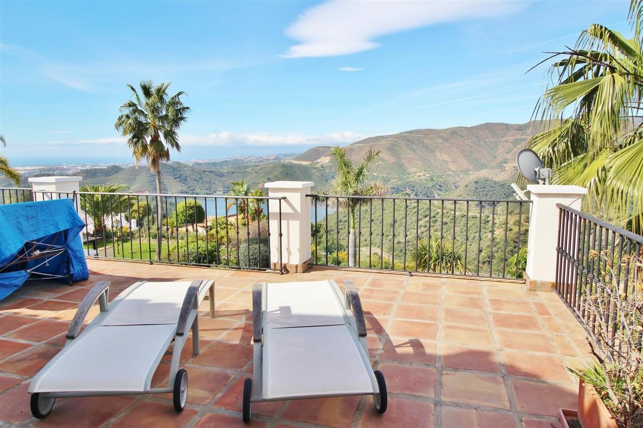 Luxury villa for sale close to Puerto Banus Spain (28) (Large)