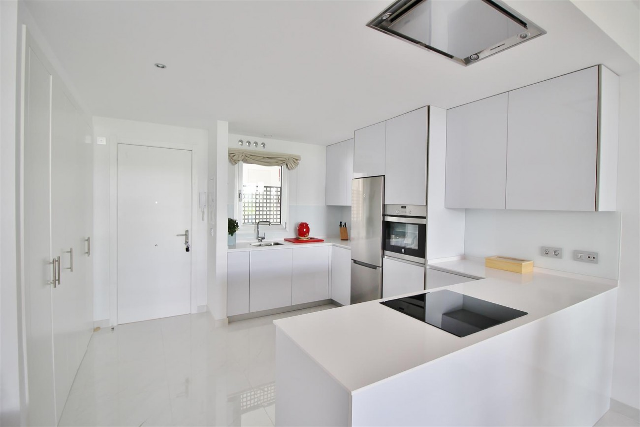 Contemporary 4 beds Apartment for sale Estepona Spain (4) (Large)