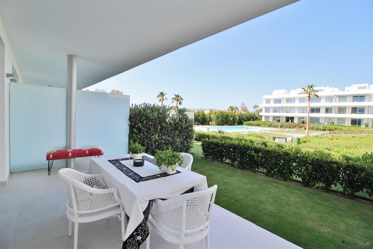Contemporary 4 beds Apartment for sale Estepona Spain (7) (Large)