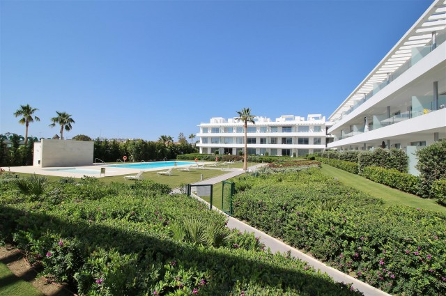 Apartment for Sale - 485.000€ - Estepona, Costa del Sol - Ref: 5859
