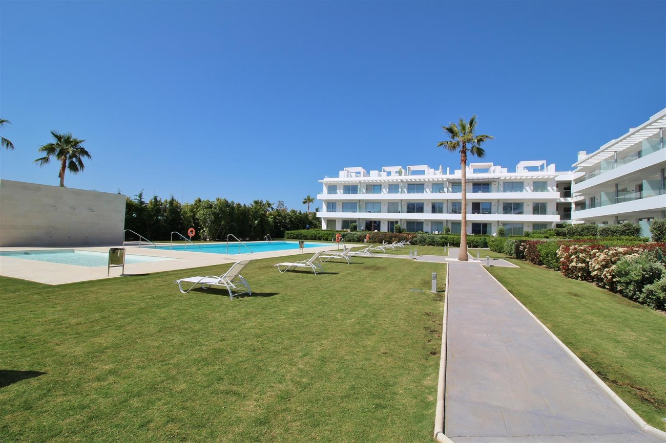 Contemporary 4 beds Apartment for sale Estepona Spain (11) (Large)