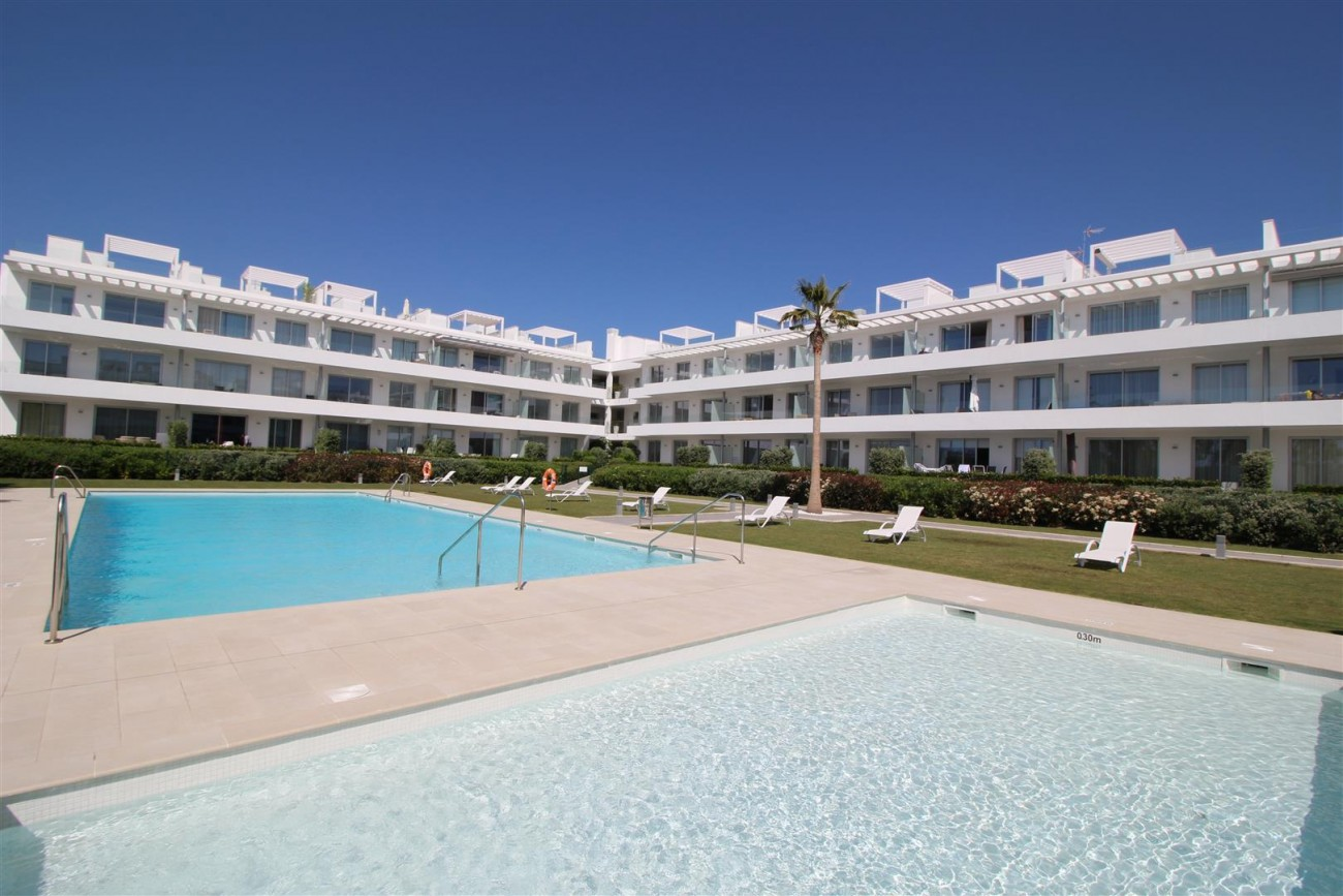 Contemporary 4 beds Apartment for sale Estepona Spain (12) (Large)