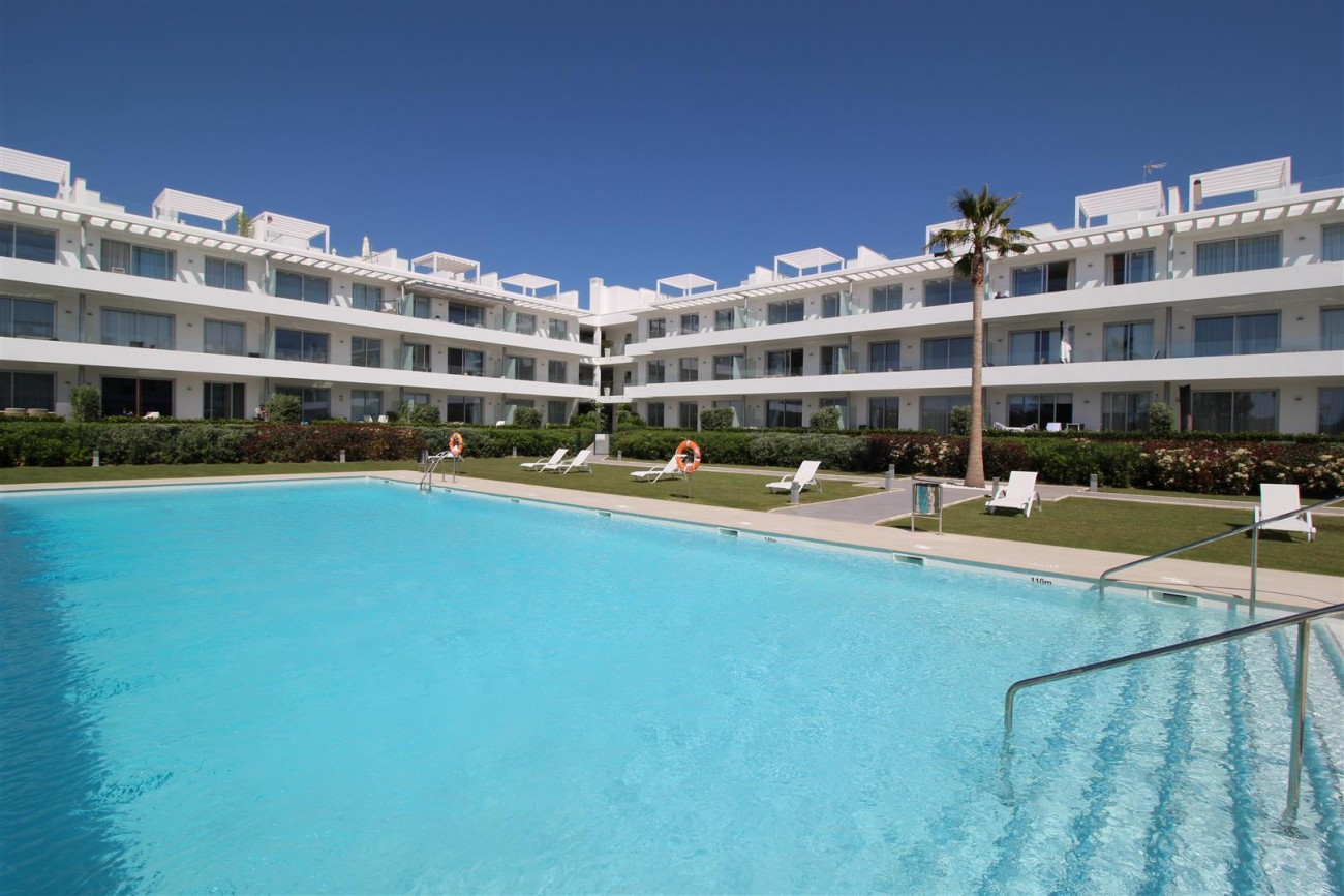 Contemporary 4 beds Apartment for sale Estepona Spain (13) (Large)