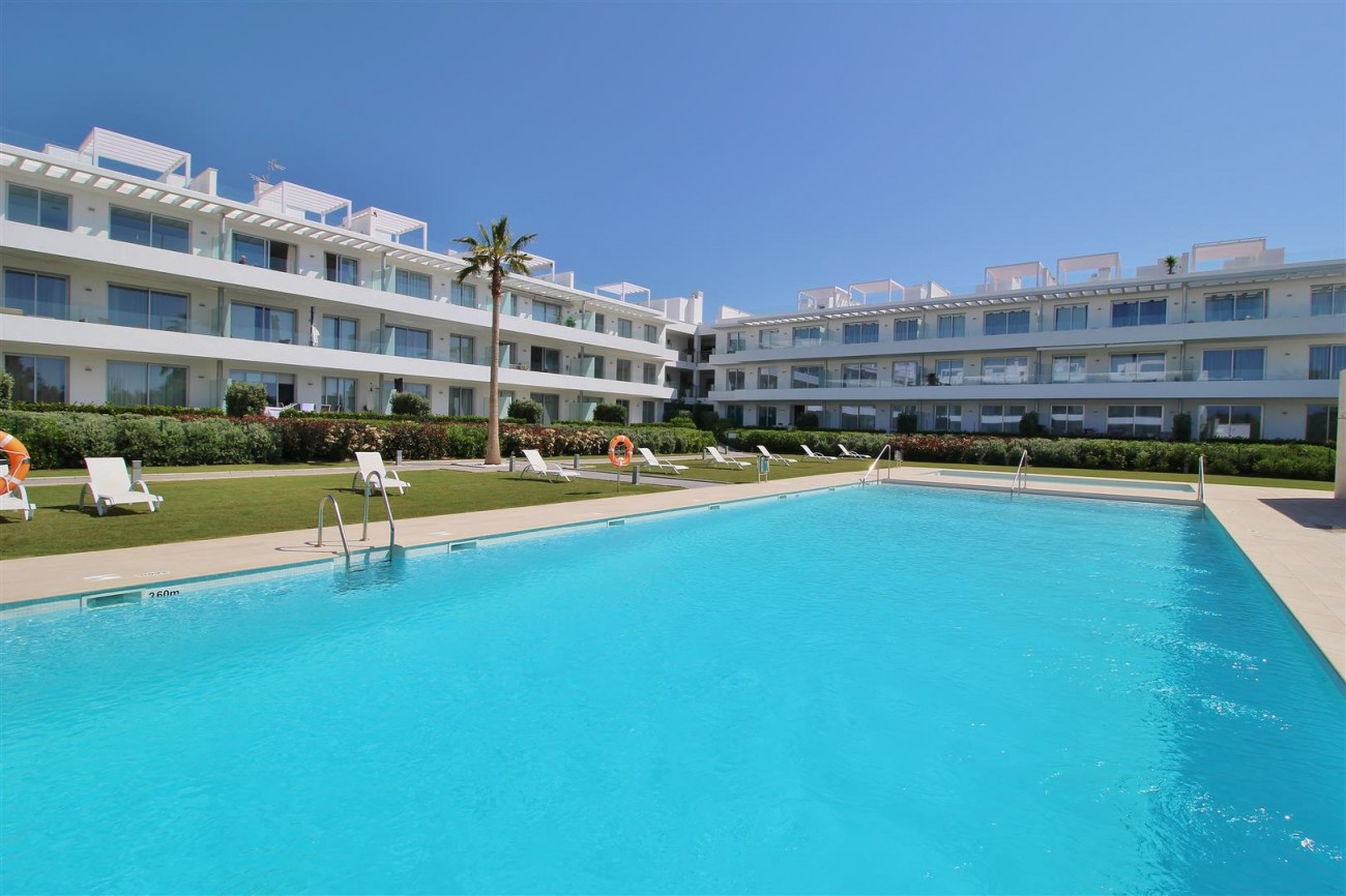 Contemporary 4 beds Apartment for sale Estepona Spain (14) (Large)