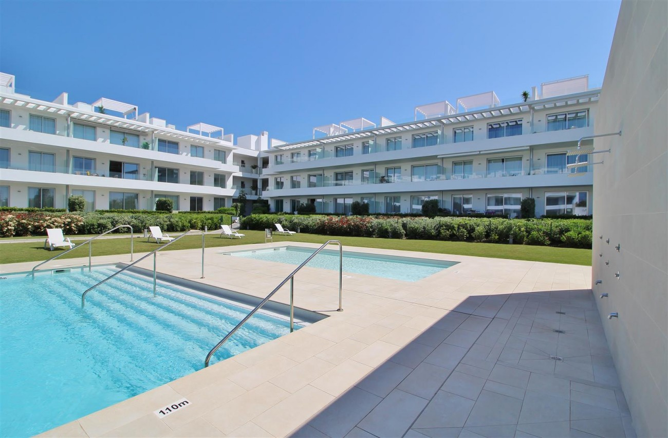 Contemporary 4 beds Apartment for sale Estepona Spain (15) (Large)