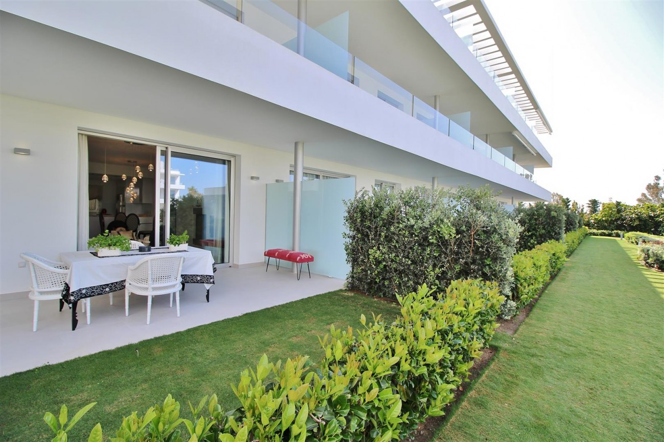 Contemporary 4 beds Apartment for sale Estepona Spain (16) (Large)