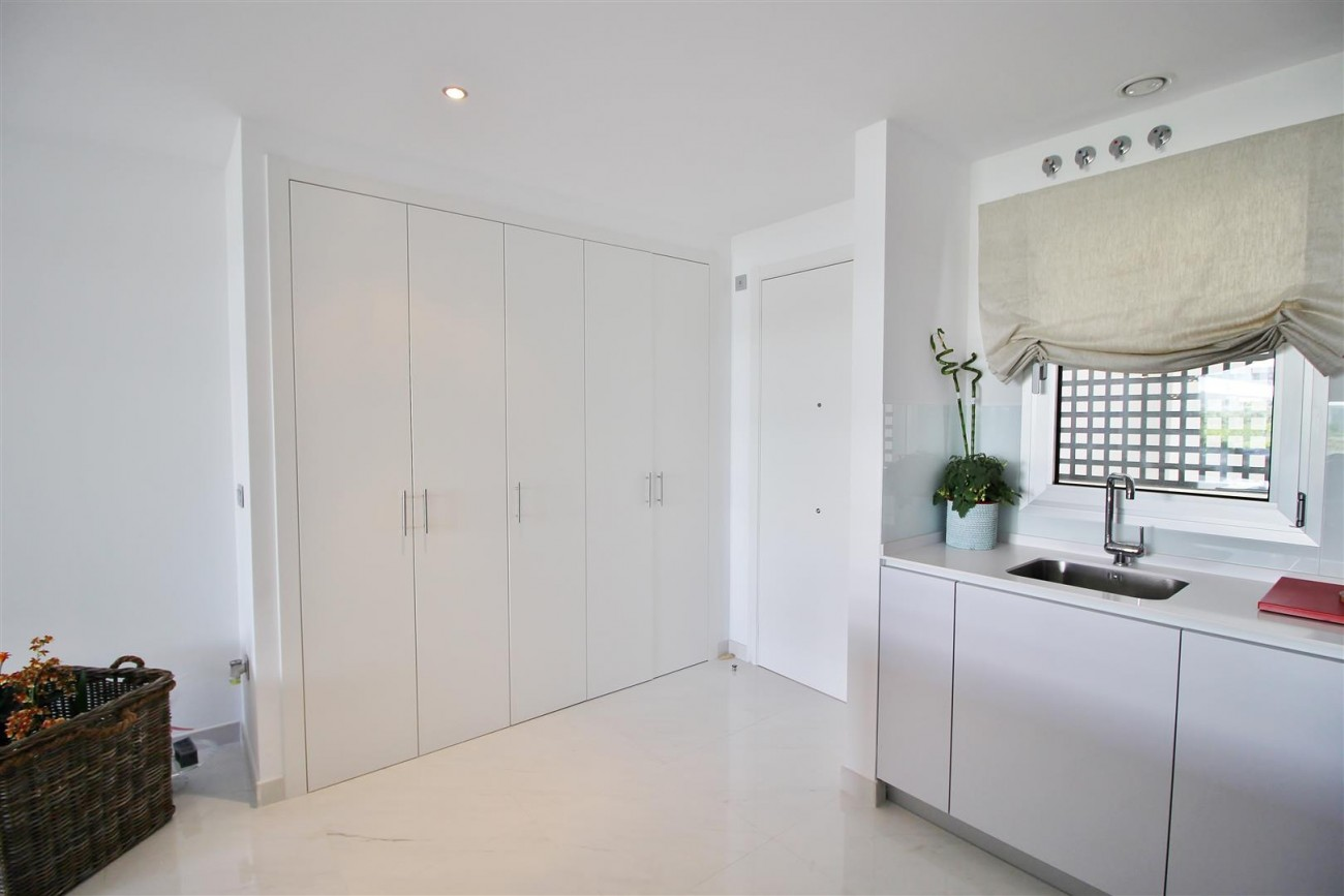 Contemporary 4 beds Apartment for sale Estepona Spain (17) (Large)