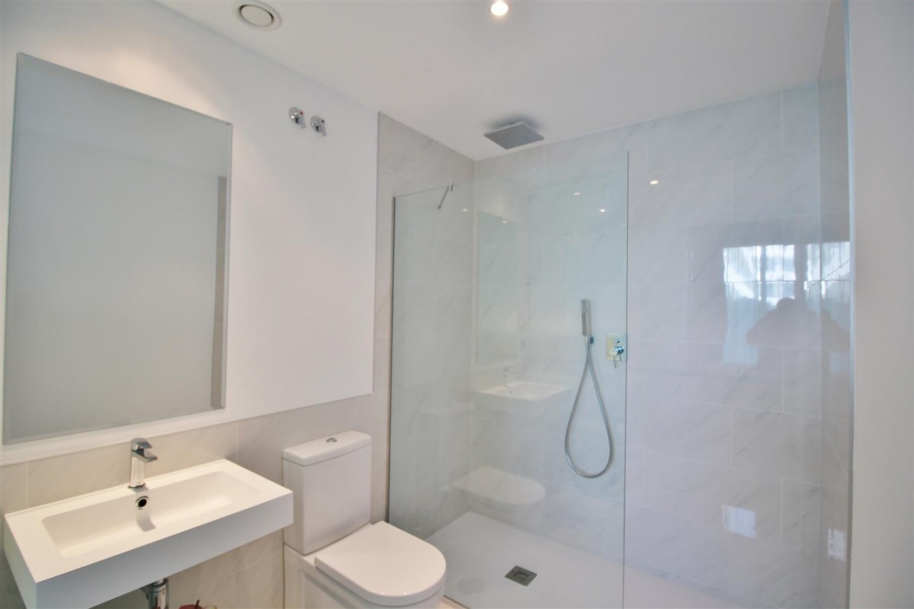 Contemporary 4 beds Apartment for sale Estepona Spain (23) (Large)