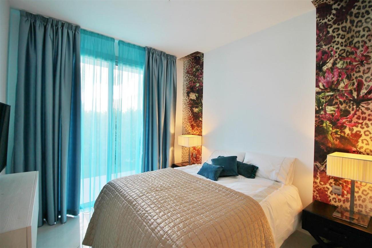 Contemporary 4 beds Apartment for sale Estepona Spain (24) (Large)