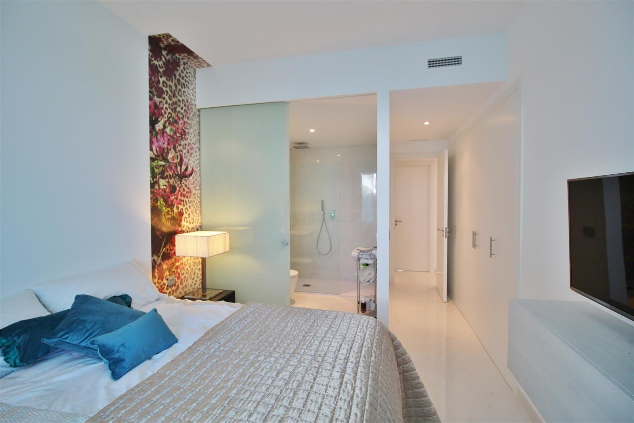 Contemporary 4 beds Apartment for sale Estepona Spain (26) (Large)