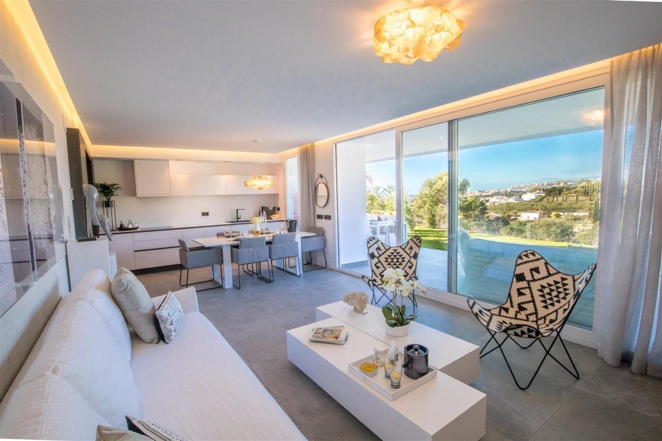 New Contemporary Apartments for sale Benahavis Spain (16) (Large)