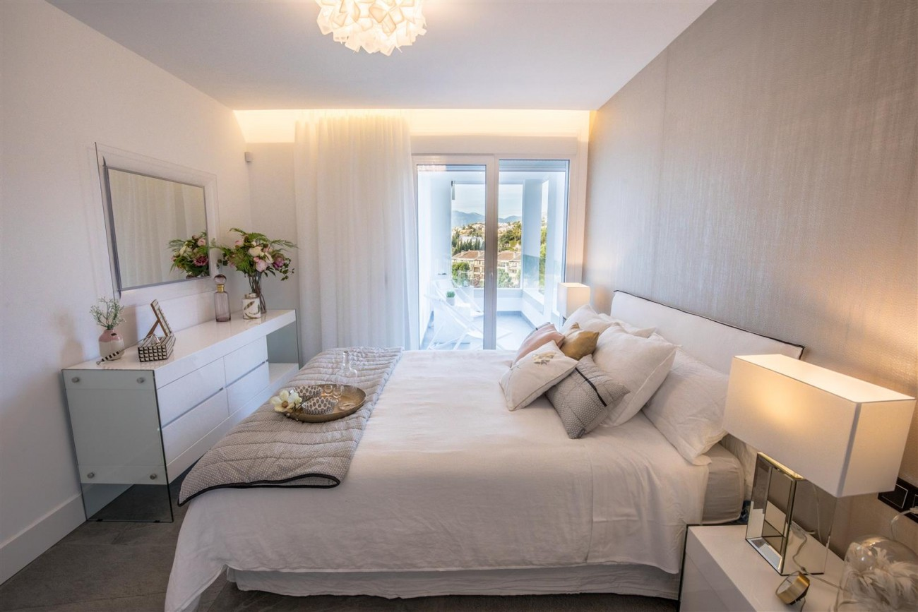 New Contemporary Apartments for sale Benahavis Spain (18) (Large)