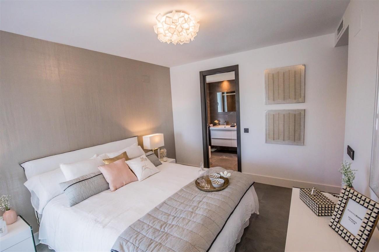 New Contemporary Apartments for sale Benahavis Spain (19) (Large)