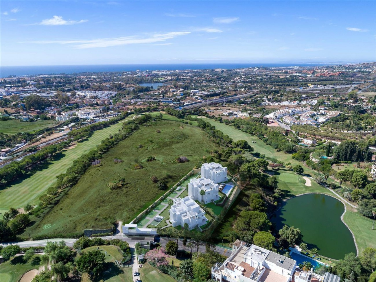 New Contemporary Apartments for sale Benahavis Spain (23) (Large)