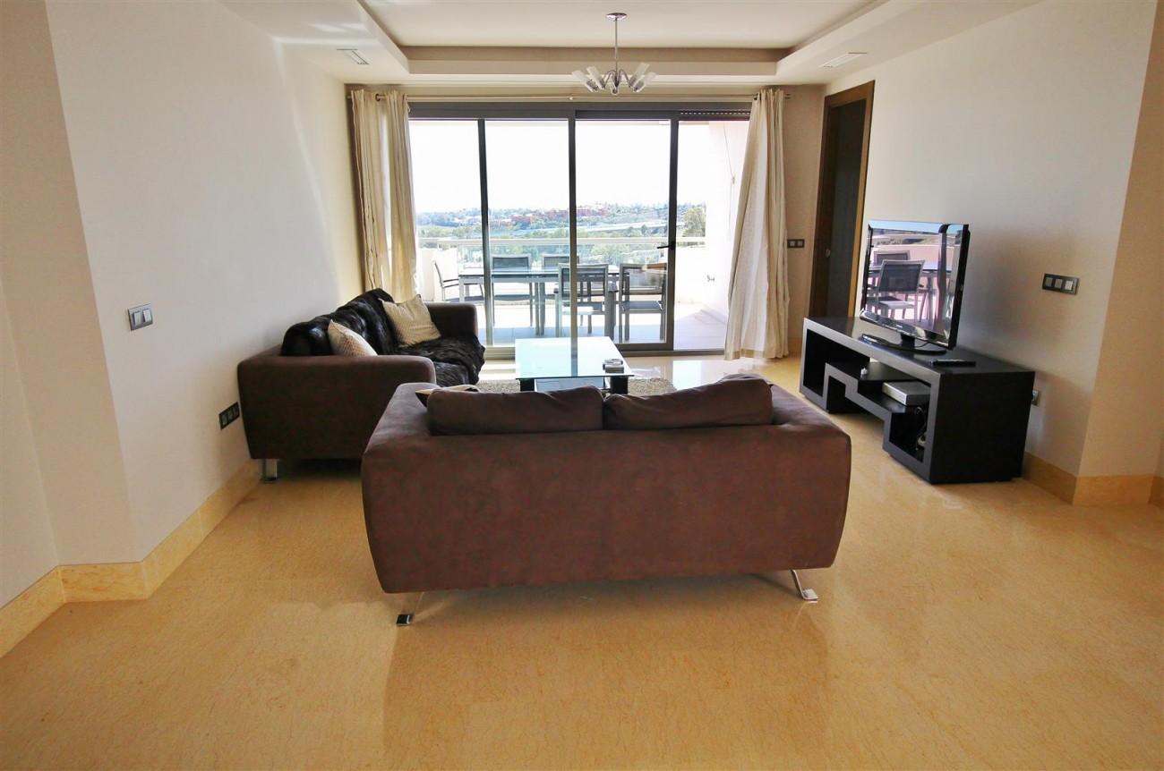 Luxury Apartment for sale Benahavis Spain (2) (Large)