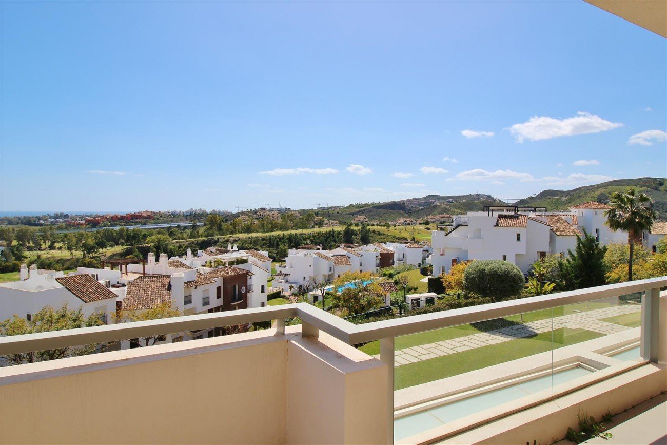 Luxury Apartment for sale Benahavis Spain (4) (Large)