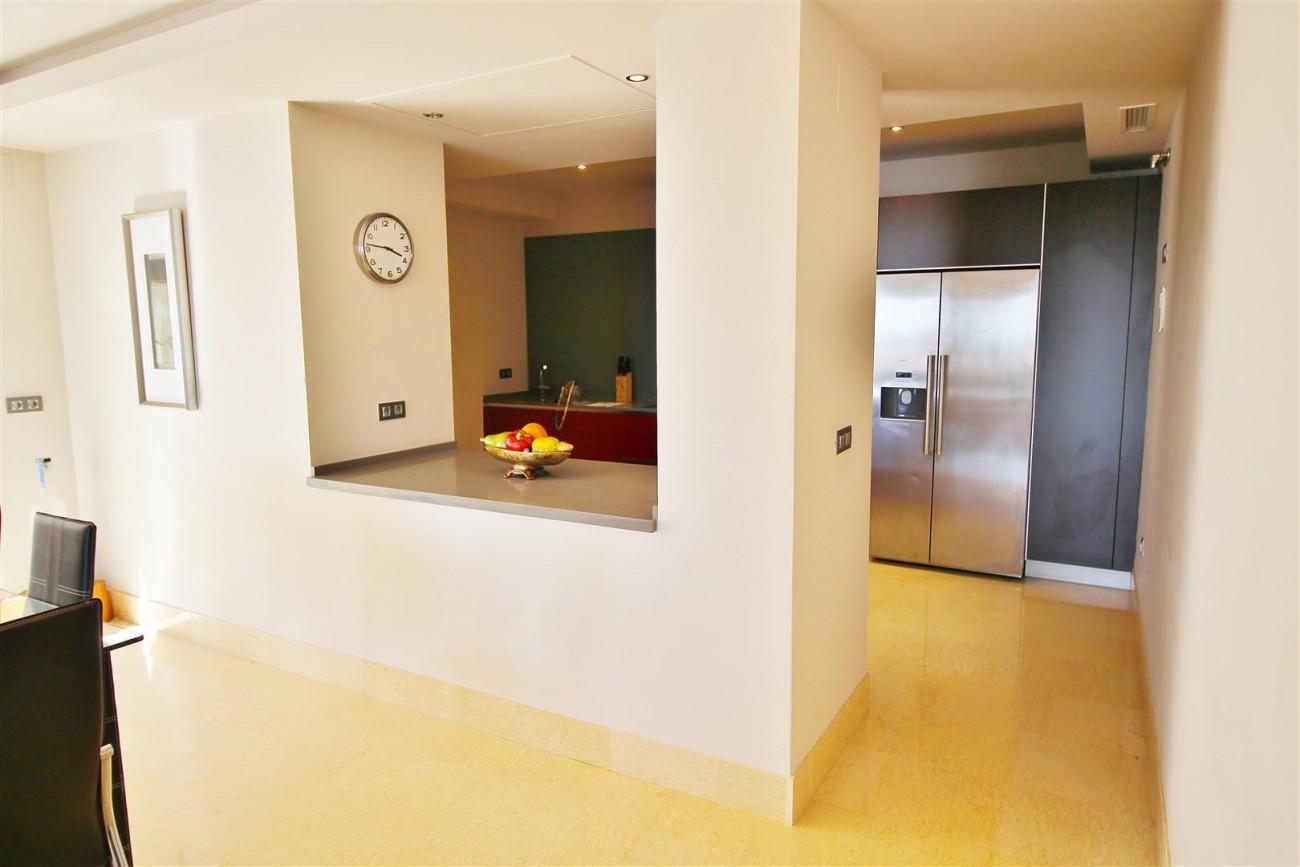 Luxury Apartment for sale Benahavis Spain (10) (Large)