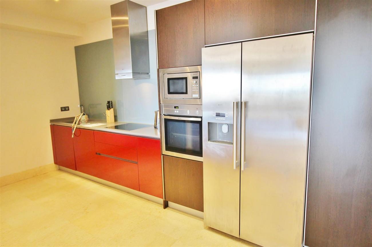 Luxury Apartment for sale Benahavis Spain (11) (Large)