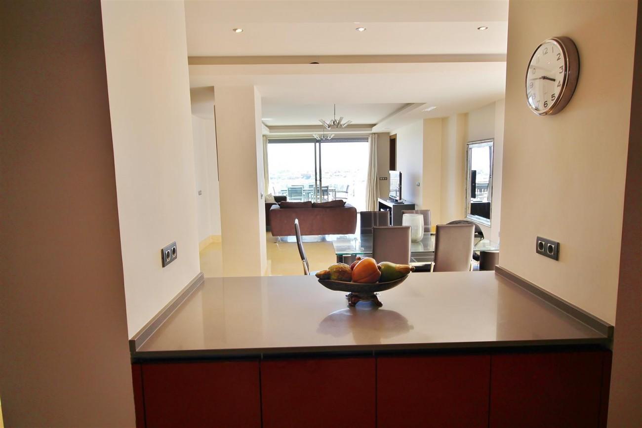 Luxury Apartment for sale Benahavis Spain (12) (Large)