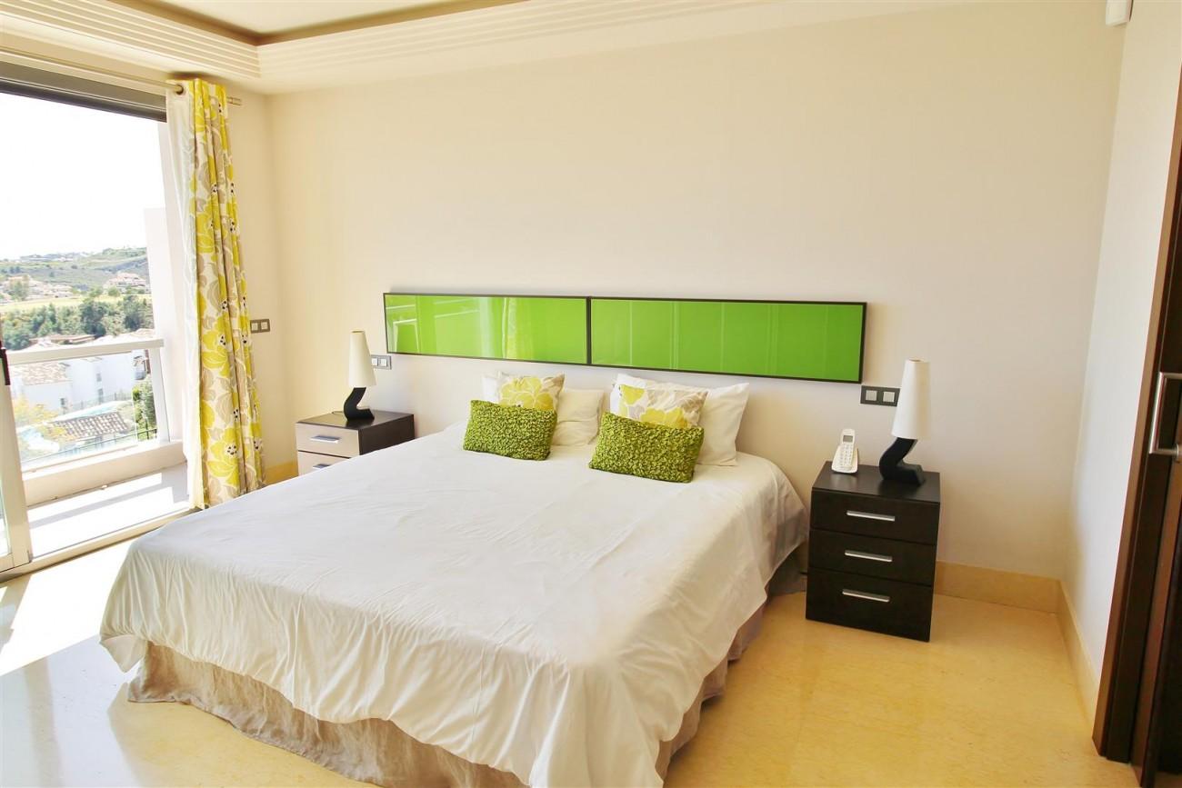 Luxury Apartment for sale Benahavis Spain (15) (Large)