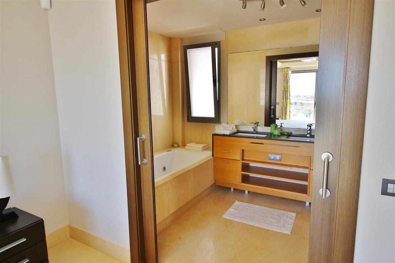 Luxury Apartment for sale Benahavis Spain (16) (Large)
