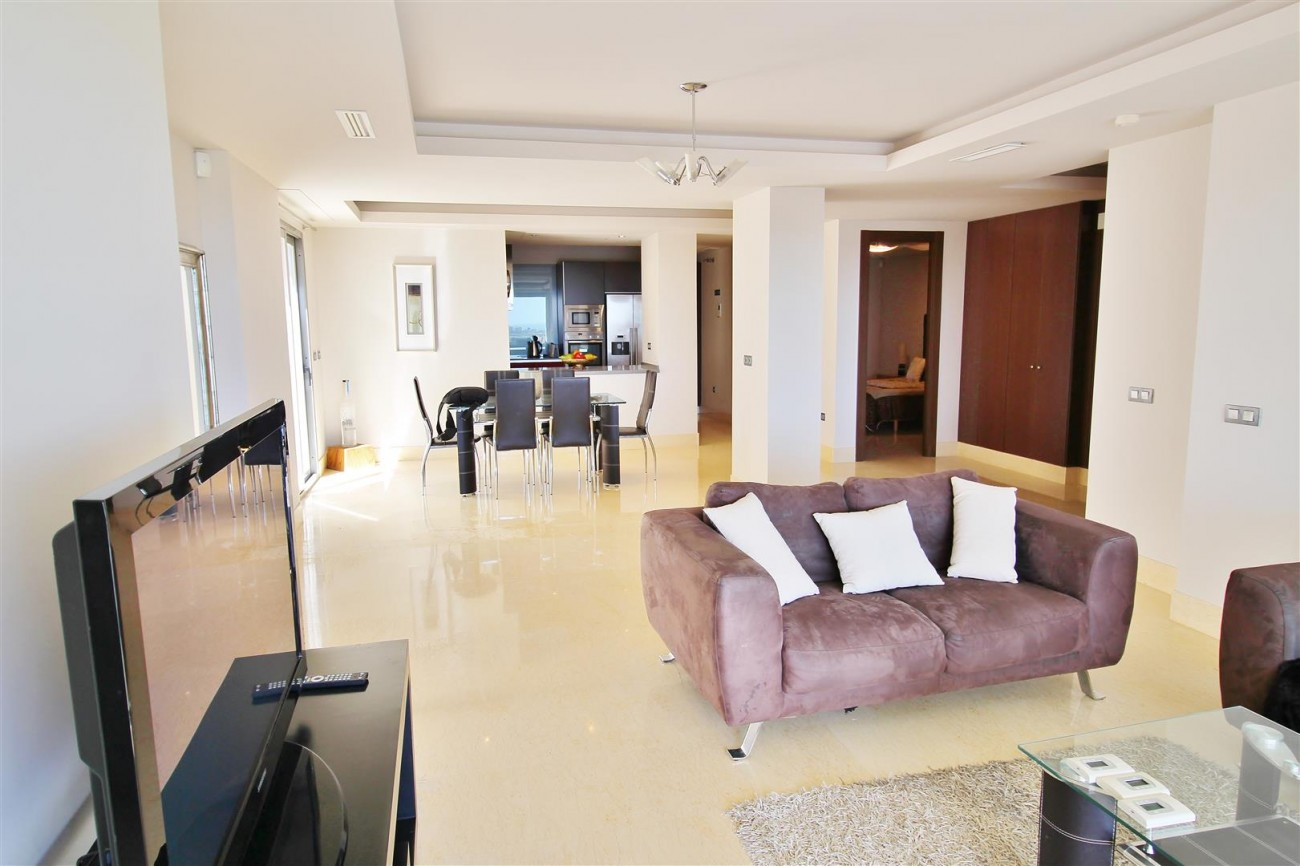 Luxury Apartment for sale Benahavis Spain (18) (Large)