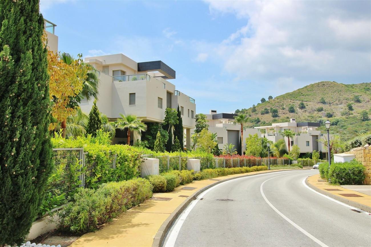 Luxury Apartment for sale Benahavis Spain (21) (Large)