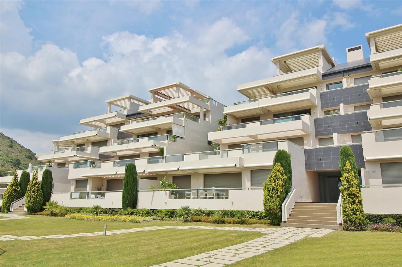 Luxury Apartment for sale Benahavis Spain (26) (Large)