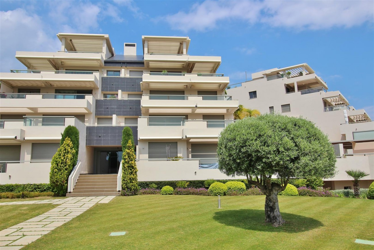 Luxury Apartment for sale Benahavis Spain (27) (Large)