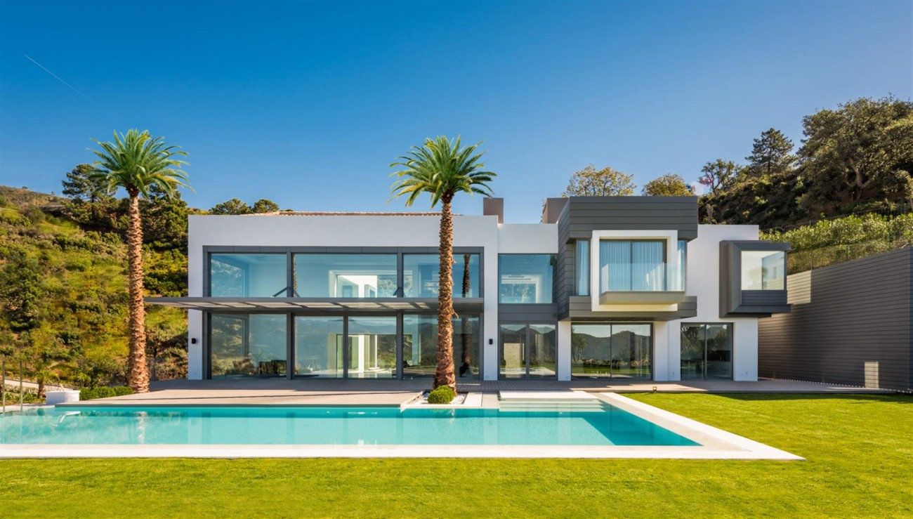 Luxury Contemporary Villa for sale La Zagaleta Benahavis Spain (1) (Large)