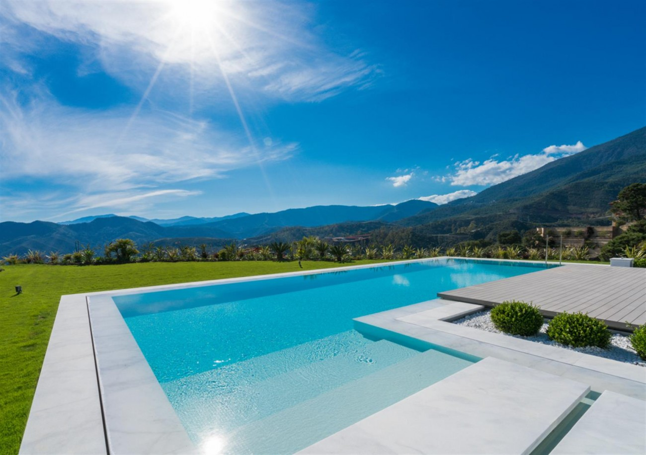 Luxury Contemporary Villa for sale La Zagaleta Benahavis Spain (11) (Large)