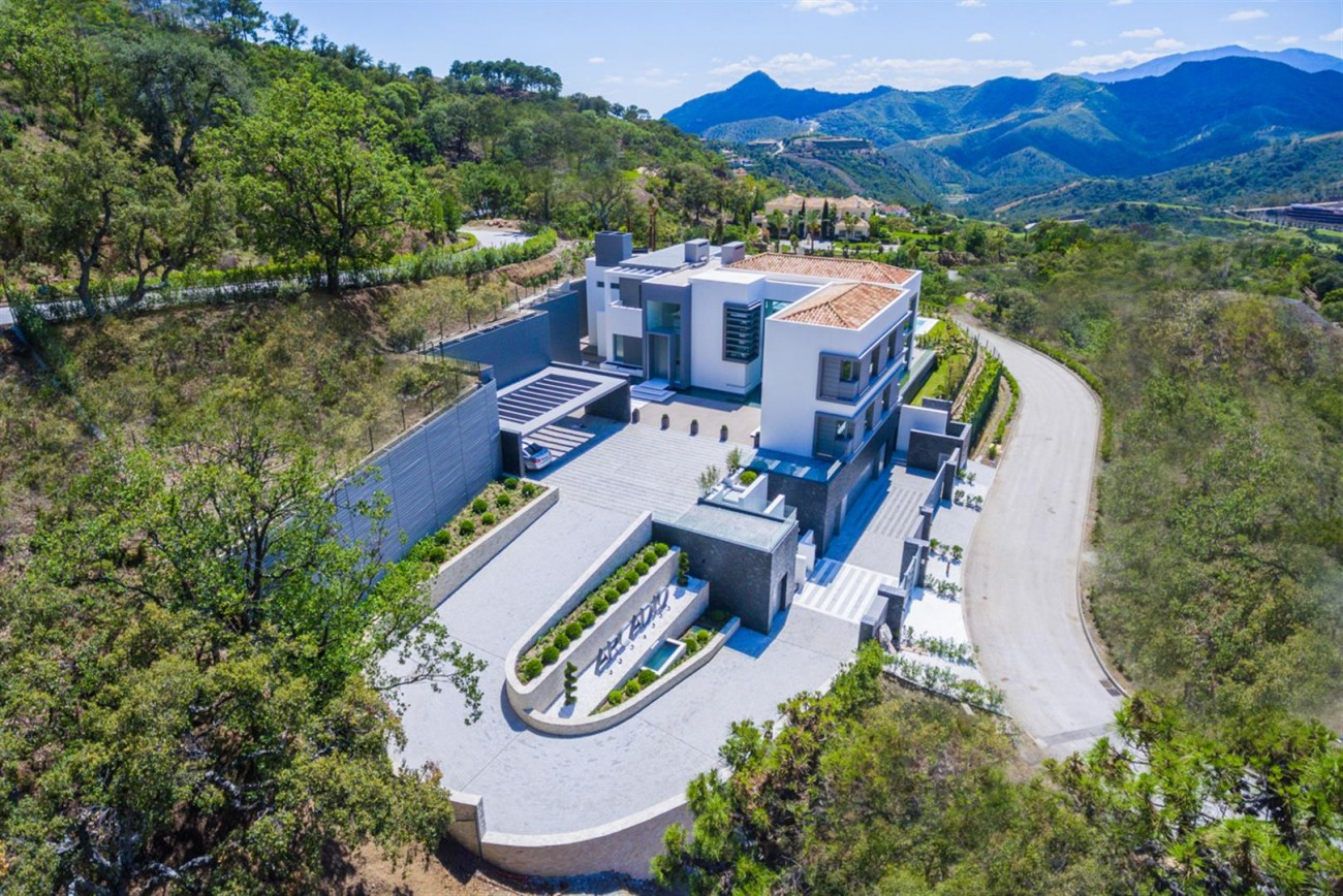 Luxury Contemporary Villa for sale La Zagaleta Benahavis Spain (25) (Large)