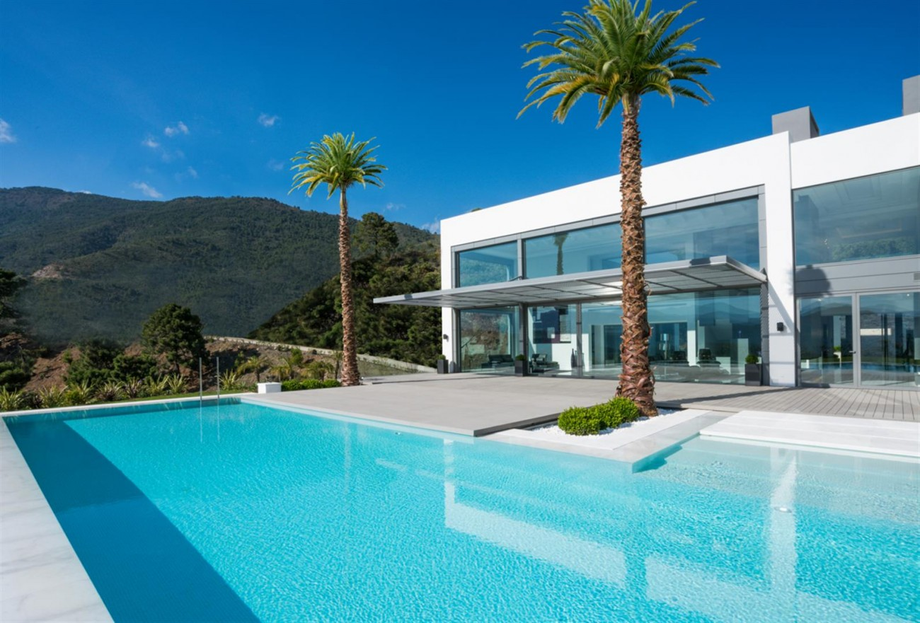 Luxury Contemporary Villa for sale La Zagaleta Benahavis Spain (27) (Large)