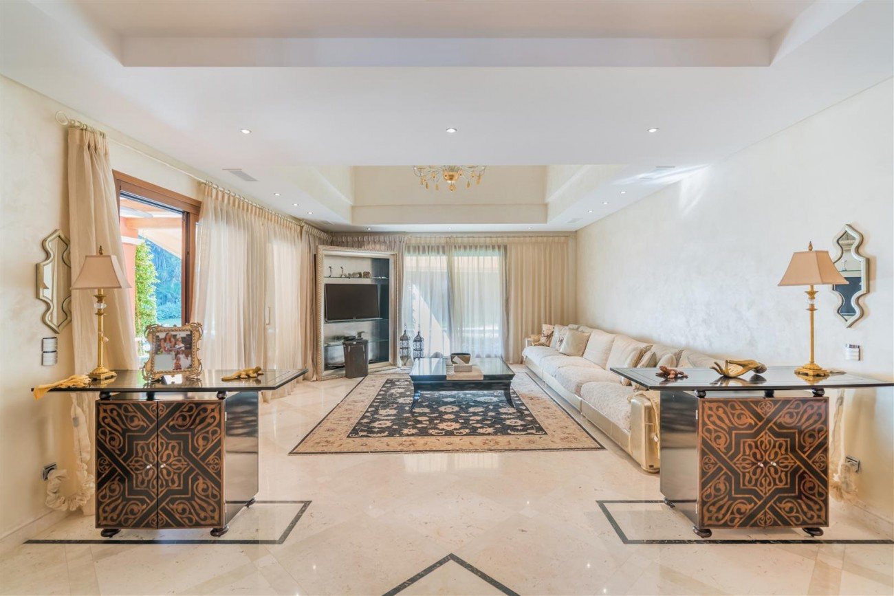 Luxury Villa for sale Marbella Golden Mile Spain (23) (Large)