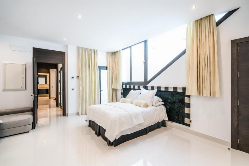 Luxury Villa for Sale La Zagaleta Benahavis Spain (2) (Large)