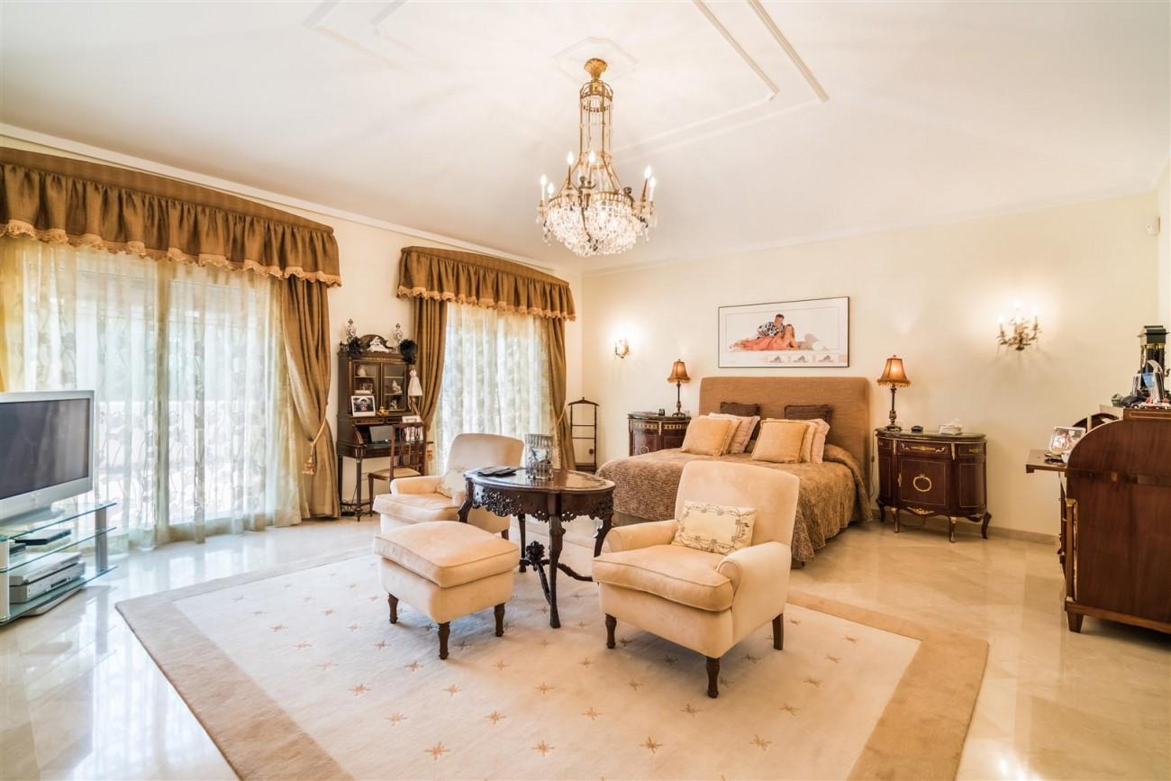 Luxury Beachside Villa for sale Marbella West Spain (2) (Large)