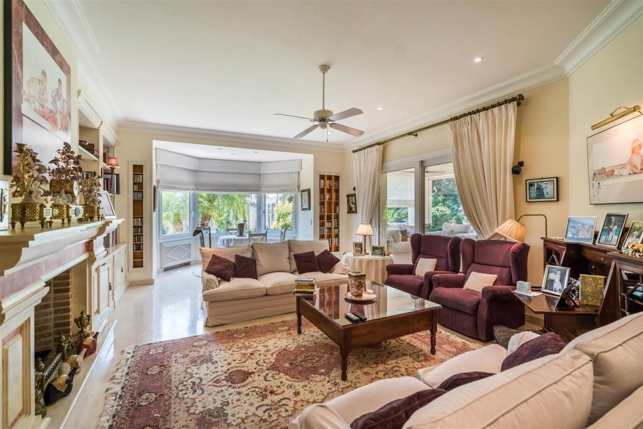 Luxury Beachside Villa for sale Marbella West Spain (3) (Large)