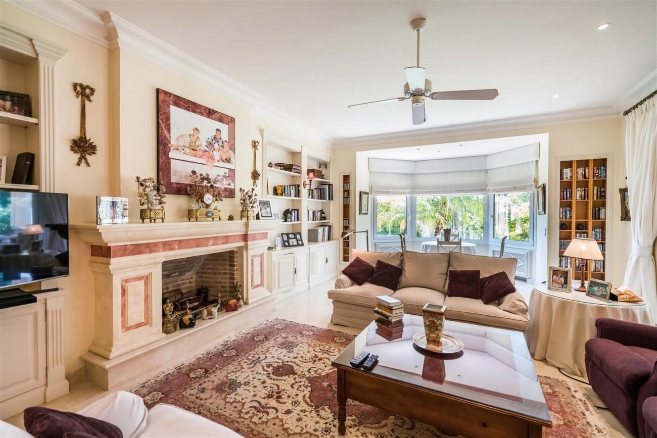 Luxury Beachside Villa for sale Marbella West Spain (4) (Large)