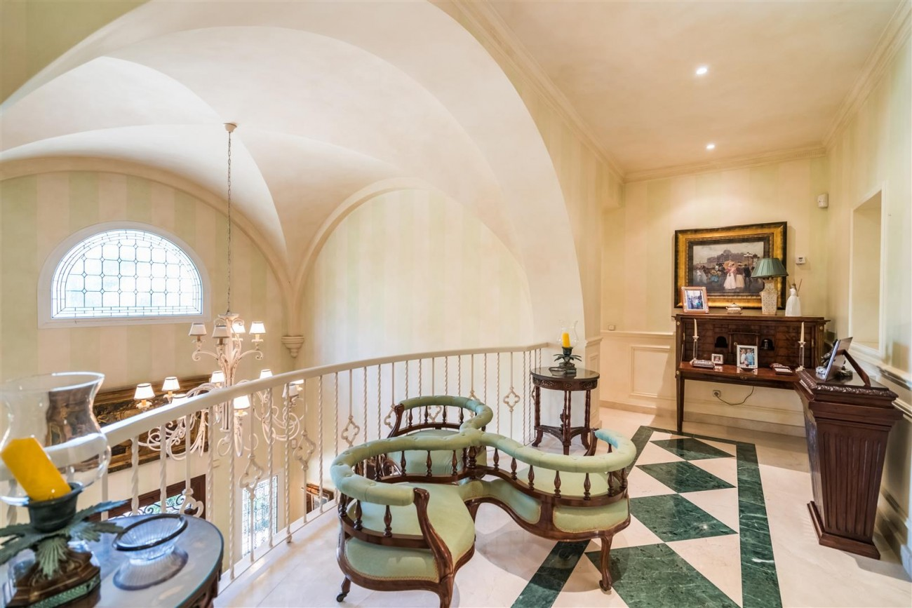 Luxury Beachside Villa for sale Marbella West Spain (10) (Large)