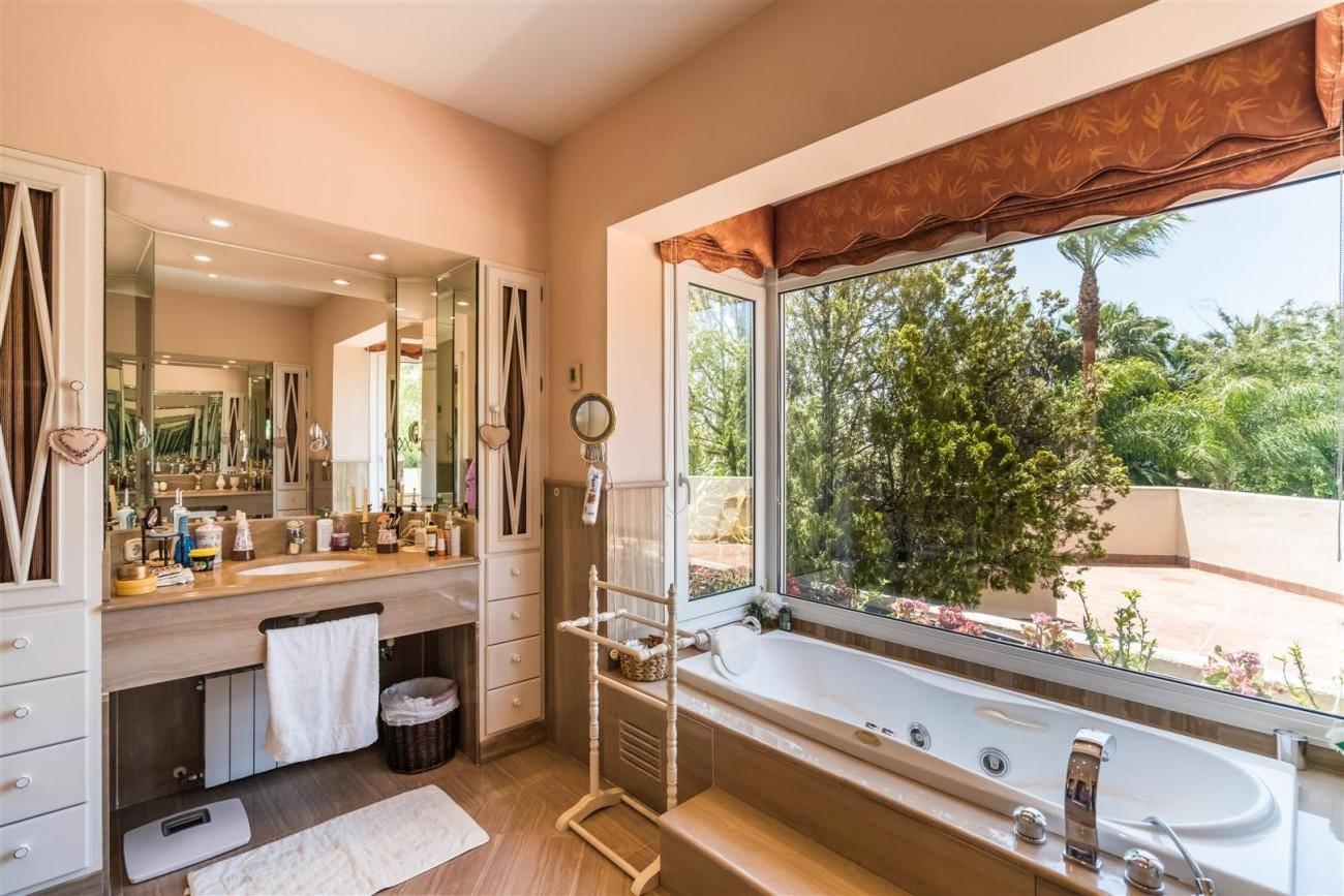 Luxury Beachside Villa for sale Marbella West Spain (11) (Large)