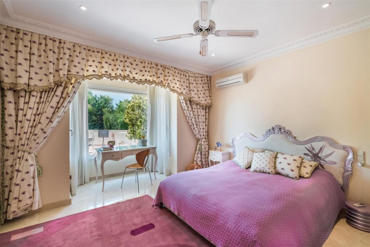 Luxury Beachside Villa for sale Marbella West Spain (13) (Large)