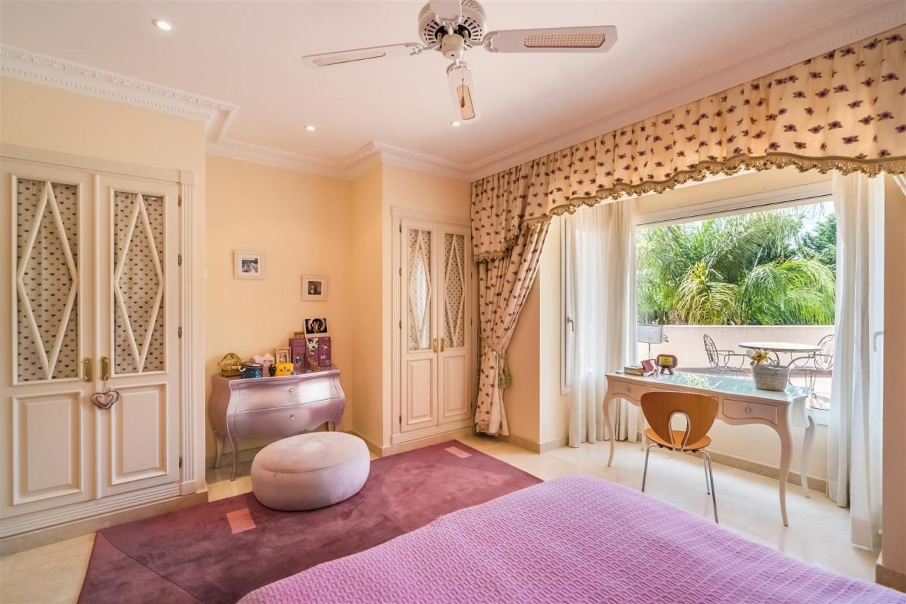 Luxury Beachside Villa for sale Marbella West Spain (14) (Large)