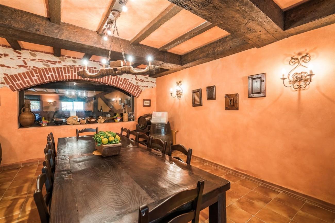 Luxury Beachside Villa for sale Marbella West Spain (16) (Large)