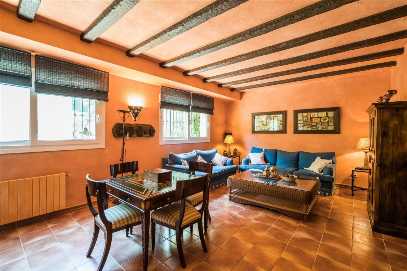 Luxury Beachside Villa for sale Marbella West Spain (17) (Large)