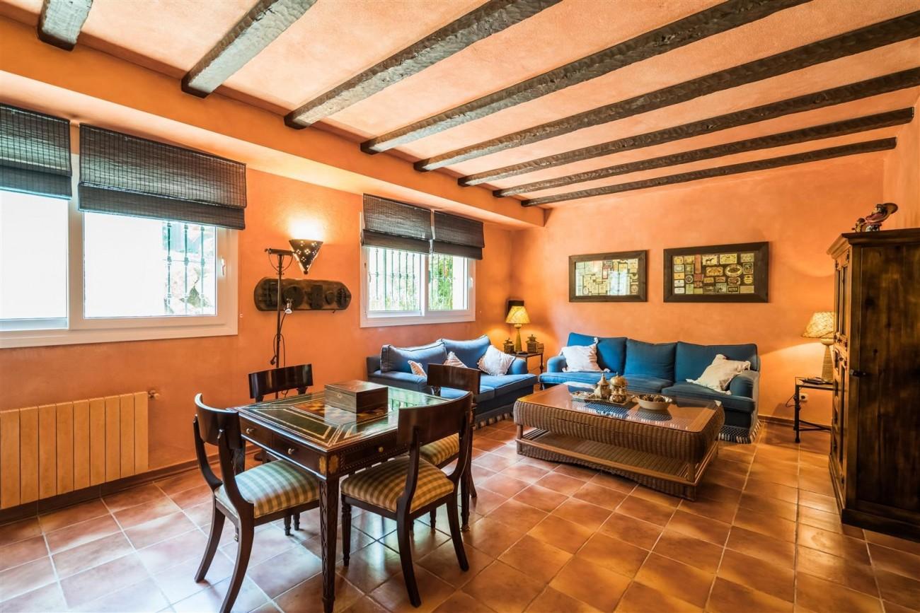 Luxury Beachside Villa for sale Marbella West Spain (17) (Large)